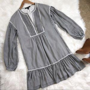Banana Republic• Bengal striped long sleeve dress